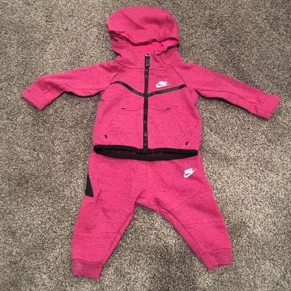 d61a2e58e Nike Baby Girl Tech Fleece sweatsuit. Size 12 M. M_5befb73c12cd4a4bd87d381c